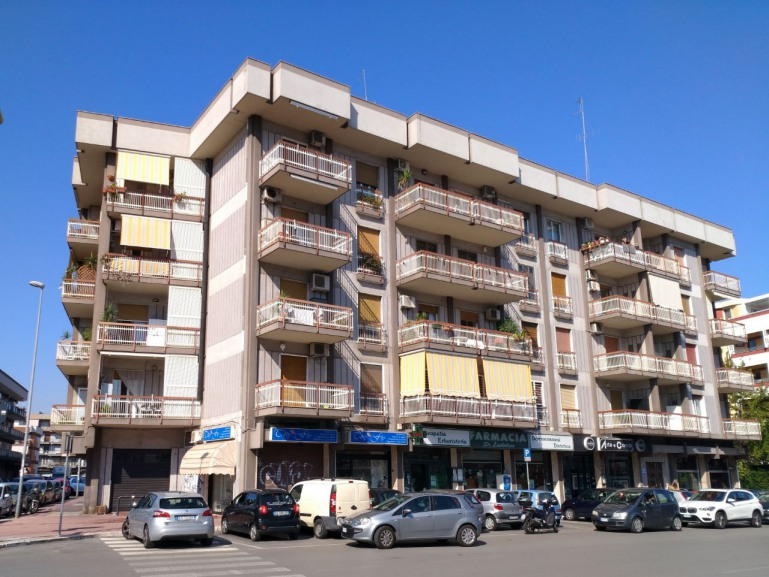 Trivani in vendita in zona Policlinico, Bari